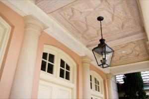 island-dr-porch-ceiling